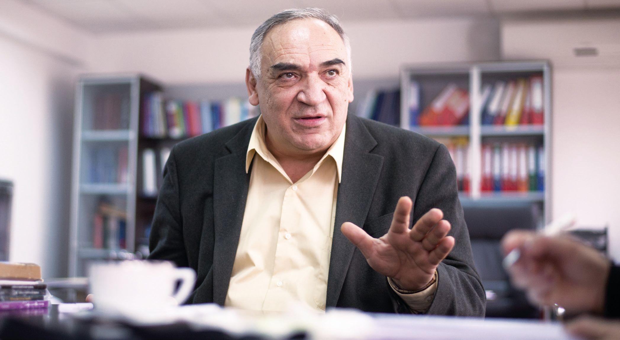 Fizicianul Nicolae Zamfir s-a întors din America pentru Institutul de la Măgurele care era în ruină