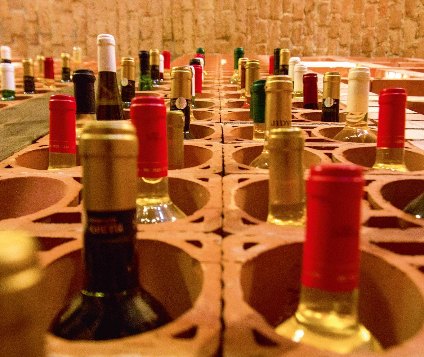 Vinoteca din Bucerdea Vinoasă, amenajată într-o fostă ruină