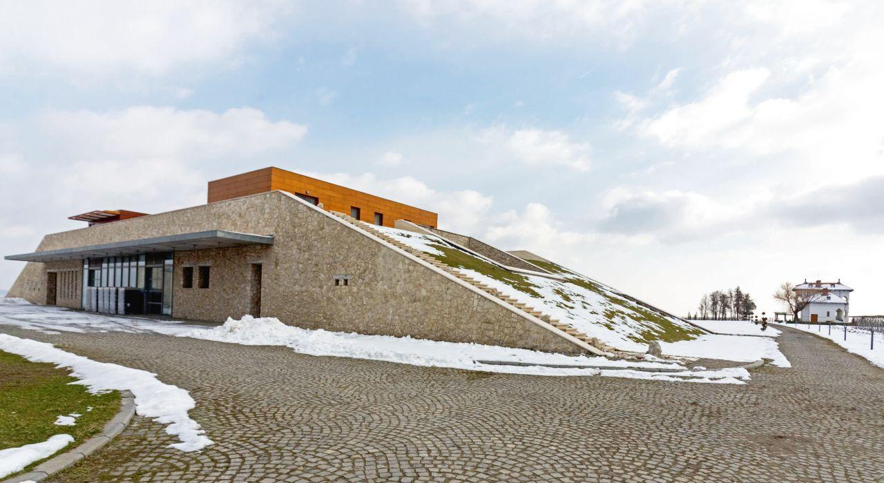 Complexul de clădiri a fost proiectat de Alexandru Beldiman