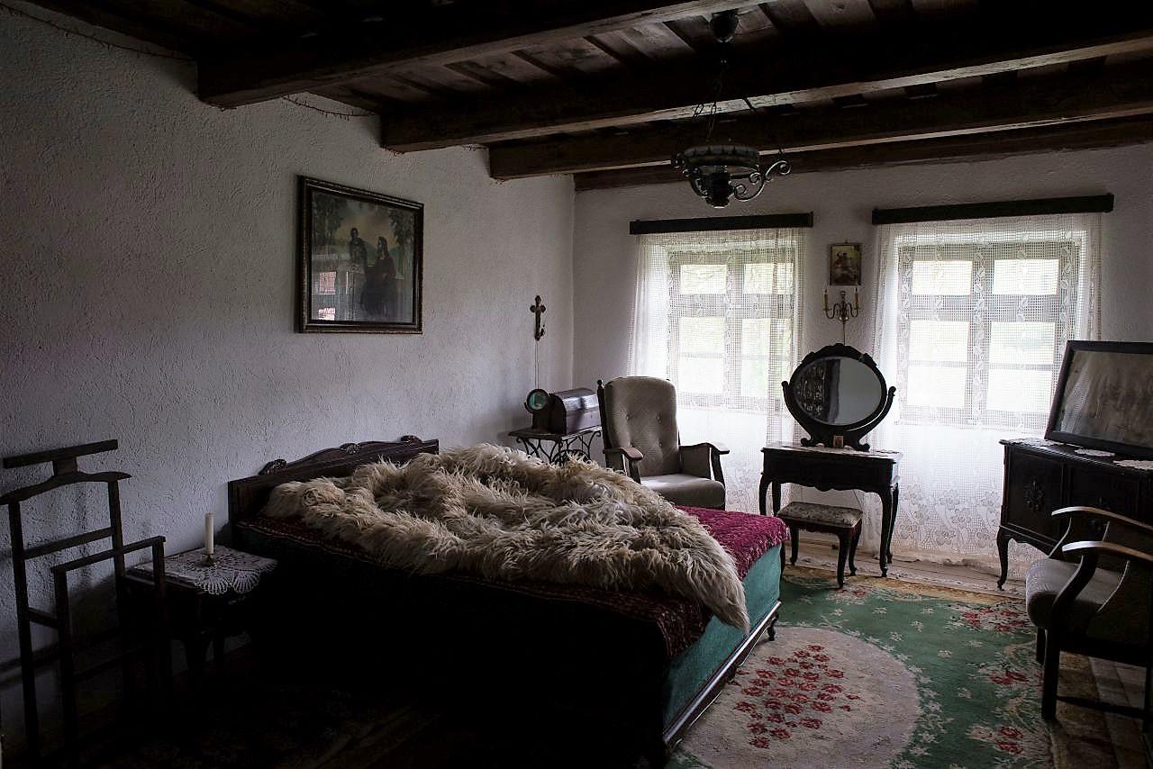 Interiorul casei restaurate de Radu Molodvan