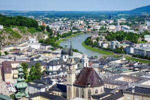 Panorama Salzburgului, văzută dinspre restaurantul MdM