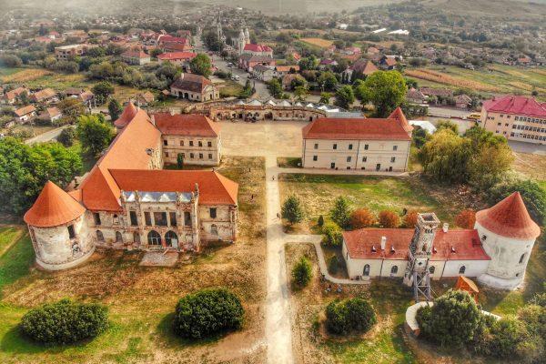 Reabilitarea Castelului Bánffy din Bonțida a început în 1999 Foto credit | Radu Beligăr