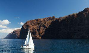 Los Gigantes, o zonă de croaziere scurte și de observat delfini | Foto: Webtenerife.com