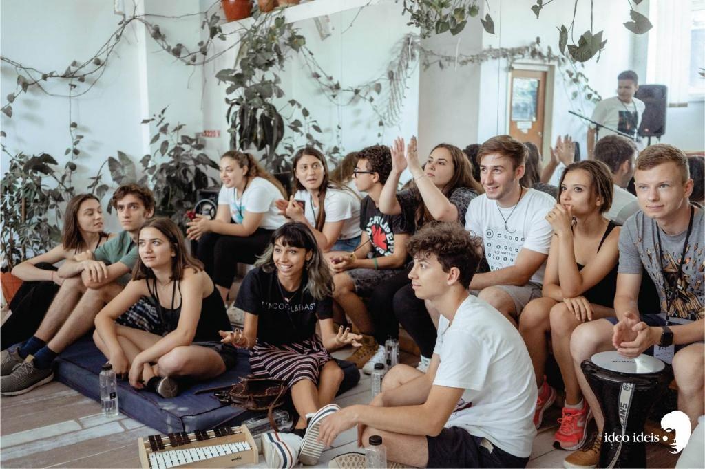 De-a lungul celor 14 ediții de până acum au trecut prin procesul de educație alternativă prin artă peste 3000 de adolescenți (Foto: 2019)