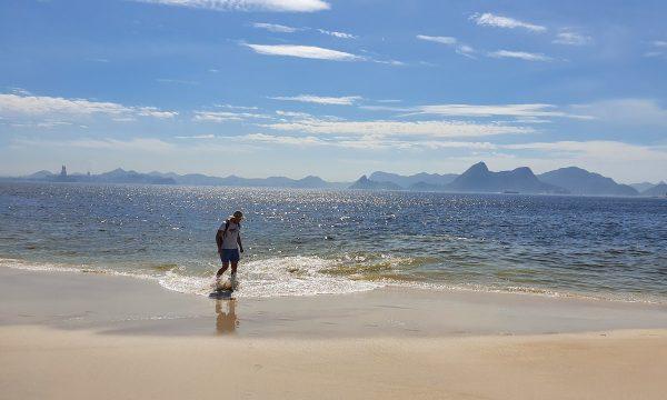 Alexandru Stermin pe plaja din Rio
