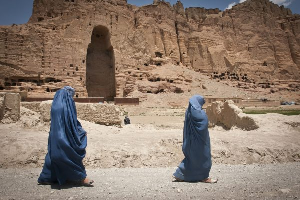 Într-un act de distrugere care a șocat lumea, în martie 2001, comandanții talibani au plantat explozivi în și în jurul a ceea ce au fost cândva cele mai înalte statui ale lui Buddha din lume
