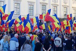 Foto Facebook Societatea Avram Iancu la Sibiu la statuia lui Samuel von Brukenthal